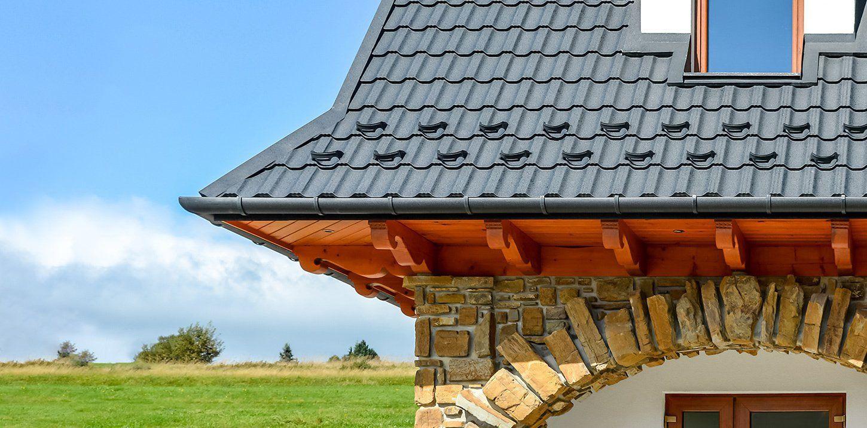 Plechová střecha, která byla díky kalkulátoru pořízena za příznivou cenu
