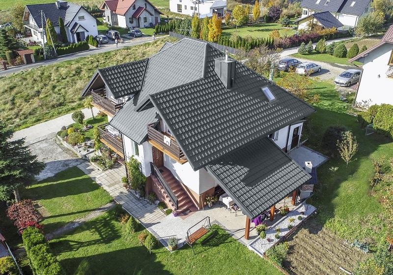 Dům, který ukazuje způsob, jak postavit střechu