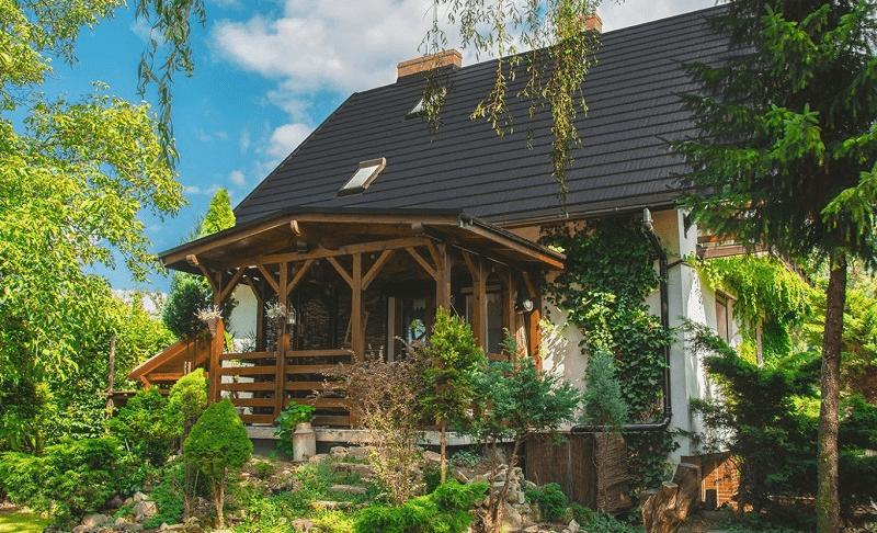 Střecha z plechových šindelů