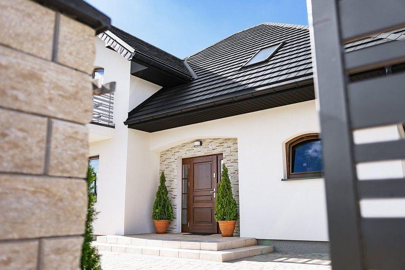 Jak provádět nátěr na plechovou střechu